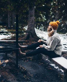 Lämmin ja ekologinen villa on erinomainen luonnonmateriaali, joka sopii suomalaiseen luontoon Suits And Sneakers, Spring And Fall, Wool Sweaters, Kos, Spring Fashion, Winter Hats, Hiking, Beanie, Style Inspiration