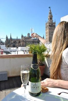 Cava on rooftop (Jpetry2, dic 2011)