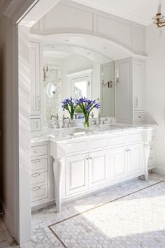 Amazing Bathroom Vanity Ideas Bathroom Vanity Are you planning to renew your vanity in the bathroom or thinking about buying the new one? Then, these 15 gorgeous bathroom vanity ideas might Traditional Bathroom Cabinets, White Bathroom Cabinets, White Cabinets, Large Cabinets, Restroom Cabinets, Upper Cabinets, Bad Inspiration, Bathroom Inspiration, Bathroom Ideas