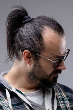 Ponytail Hairstyles For Men, Undercut Ponytail, Man Ponytail, Ponytail Haircut, Short Ponytail, Ponytail Styles, Undercut Hairstyles, Hairstyles Haircuts, Haircuts For Men
