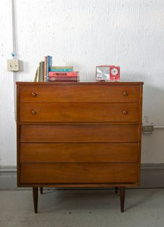 Mid Century 5 Drawer Tall Boy Dresser / Gentlesmen's Chest by Harmony House - 50s 60s - Louvred Drawers