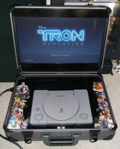 portable made to look like by EvilDan on DeviantArt Playstation Games, Xbox Games, All Games, Retro Arcade Games, Mini Arcade, Nintendo Switch Games, Nintendo 3ds, Sony Playstations, Portable Console