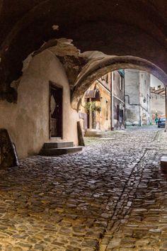 Dzisiaj zabiorę Was na foto-wyprawę ulicami miasta, które oficjalnie powstało w 1951 roku, choć swoje początki datuje już w XIII wieku. Bielsko-Biała, bo o nim tu mowa jest idealnym miejscem wypado…