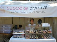 How to Display Cupcakes at Farmers Market | Cupcake Central Stall this weekend at the Globe to Globe Music ...