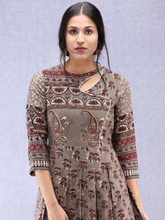 Kurtis has taken the ethnic wear scene by a storm but salwar kameez suits still remain the classic favourites with Salwar Suit Neck Designs, Neck Designs For Suits, Kurta Neck Design, Sleeves Designs For Dresses, Dress Neck Designs, Design Of Kurti, Salwar Neck Patterns, Latest Salwar Kameez Designs, Kurti Sleeves Design