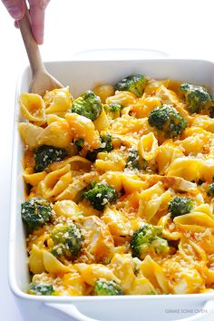 Learn how to make this delicious Broccoli Chicken Mac and Cheese with this easy and crowd-pleasing recipe!
