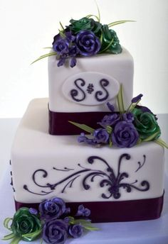 Best Wedding Cakes in Las Vegas by Pastry Palace, stop by or call for a unforgettable Wedding  Cake with a delicious memory.