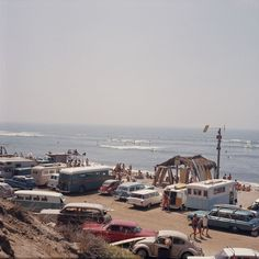 Golden era Californian surf scene by LeRoy Grannis. Oh for a time machine....