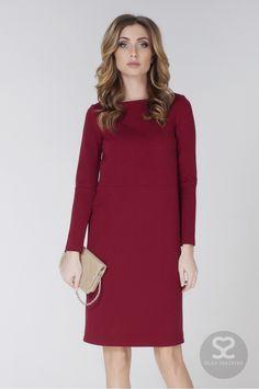 Платье короткое прямое с длинным рукавом