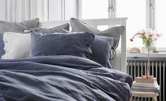 En bäddad säng med linnekänsla.