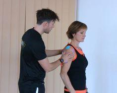 Durch myofasziales Training und Taping kann ich die Mechanorezeptoren im Fasziennetzwerk optimal ansprechen und einen langfristigen Erfolg bei einem traumatischen Ereignis erzielen. Von Dennis Krämer http://www.functional-training-magazin.de/funktionelles-impingement-teil-2-taping-therapie-training/