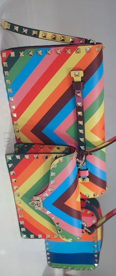 The Rainbow of Valentino Resort 2015 - by Cris Figueired♥ Valentino Resort, Valentino Bags, Gucci Bags, Rainbow Fashion, Colorful Fashion, Little Bag, Celine Bag, Clutch Purse, My Bags