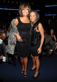 Bobbi Kristina Brown, daughter of the late Whitney Houston, tragically died at age 22 after spending five months in a coma. Take a look back at her life that was cut too short. Whitney Houston, Billboard Music Awards, American Music Awards, Guinness, Beverly Hills, Bobbi Kristina Brown, Family Album, Norma Jeane, Bobby Brown