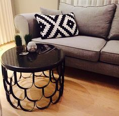 Black metal & black marble coffee table  400$ zanaatatolyesi@gmail.com