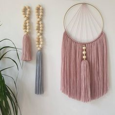 Pink macrame wall hanging - Home accessory with natural wooden beads and handmade tassel Macrame Wall Hanging Patterns, Yarn Wall Hanging, Macrame Plant Hangers, Macrame Patterns, Macrame Design, Macrame Projects, Style At Home, Boho Diy, Yarn Crafts