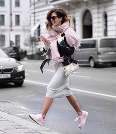 New sneakers femme cuir Ideas Mode Outfits, Winter Outfits, Casual Outfits, Fashion Outfits, Womens Fashion, Lux Fashion, Fashion Black, Fashion Styles, Style Fashion