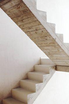 escalier beton brut de décoffrage