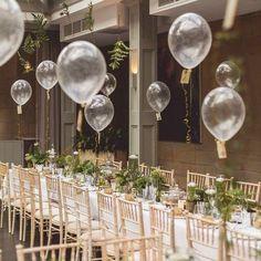 Chic balloon wedding centerpiece ideas for reception, balloons wedding decoration ideas. Wedding Balloon Decorations, Wedding Balloons, Wedding Table Centerpieces, Flower Centerpieces, Wedding Favors, Wedding Day, Table Decorations, Centerpiece Ideas, Masquerade Centerpieces