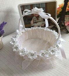 Romantic Wedding Decoration Petal Storage Baskets Ceremony Party Rose Flower Basket is personalized, see other cheap storage baskets on NewChic.Occasion: Birthday Party,WeddingPattern: NoneSize: SModel Number: YesMaterial: Non-woven Fabrics Romantic Wedding Favours, Wedding Ceremony Flowers, Lace Wedding, Wedding Favors, Wedding White, Purple Wedding, Wedding Gift Baskets, Deco Nature, Diy Hanging Shelves