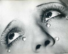 Glass tears - Google Search Surrealist Photographers, Most Famous Photographers, Alfred Stieglitz, History Of Photography, Art Photography, Famous Photography, National Photography, Documentary Photography, Man Ray Photographie
