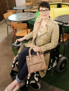Casual Wheelchair Fashion - Trench & Jeans #wheelchair #fashion #blogger #spring
