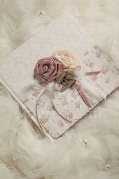 Amazing vintage roses guest book with handmade fabric flowers Books For Boys, Vintage Roses, Wedding Guest Book, Fabric Flowers, Christening, Albums, Boy Or Girl, Decoupage, Gift Wrapping