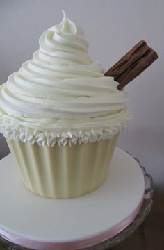 Giant Mr Whippy Cupcake   anyone?!