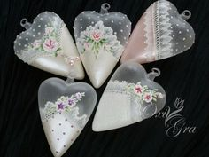 Oh, how I'd love to be able to make things like this. Victorian Christmas, Pink Christmas, Christmas Crafts, Christmas Decorations, Painted Ornaments, Xmas Ornaments, Flower Room Decor, Hand Painted Dishes, Lace Painting