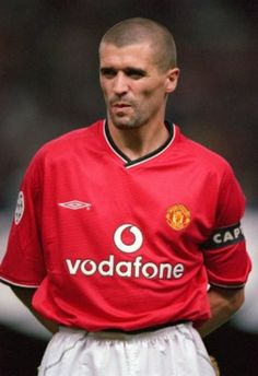 Whilst he may be at odds with Sir Alex, Roy Keane would be a staple in any Manchester United team according to Sir Bobby Charlton. Keane took over as captain of Football Icon, World Football, Man Utd Squad, Manchester United Images, Roy Keane, Bobby Charlton, La Face, Manchester United Football, Man United