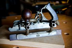 """How to choose an Antique Stanley No. 45 Combination Plane? (""""Woodworking Hand Tool Buying Guide: Hand Planes"""" at WoodAndShop.com)"""