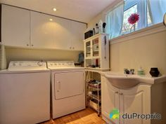 Salle d'eau loyer Stacked Washer Dryer, Washer And Dryer, Laundry, Home Appliances, House 2, House Appliances, Laundry Service, Washing Machine And Dryer, Appliances