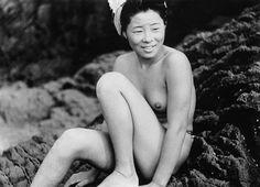 С введением гидрокостюм в Японии в 1970-х годах, завидев полуголого ама дайвер стал редко.