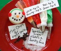 perfect to bring in for school christmas party, the kids would love them! Winter Cupcakes, Christmas Cupcakes Decoration, Snowman Cupcakes, Snowman Party, Ladybug Cupcakes, Kitty Cupcakes, Holiday Cupcakes, Holiday Treats, Christmas Treats