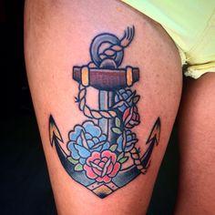 #hippietattoos #traditional #tattoo #tatuaje #ink #traditionaltattoo #anchor #anchortattoo #anchortraditional #rosa #rosatattoo #rosetattoo #rosetraditional #rose #sorayasanchez #scsatour #scs
