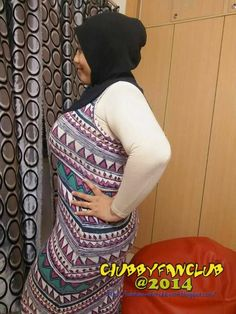 Arab Girls Hijab, Girl Hijab, Beautiful Hijab, Beautiful Women, Miosotis Claribel, Islamic Girl, Ootd Hijab, Big Girl Fashion, Sexy Older Women
