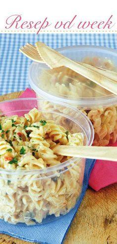 Pasta salad | Pastaslaai #Braai #Recipe South African Dishes, South African Recipes, Salad Dishes, Pasta Dishes, Braai Recipes, Cooking Recipes, Braai Salads, African Salad, Kos