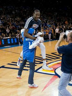 KD tackling the fan who made a half court shot