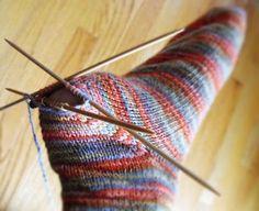 (2016-02) Smart måde at strikke hæl til allersidst (man kan så bare ikke prøve sokken undervejs ...) ~ after thought heels