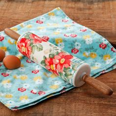 "Free 2-day shipping on qualified orders over $35. Buy The Pioneer Woman Vintage Floral 18.4"" Rolling Pin at Walmart.com"