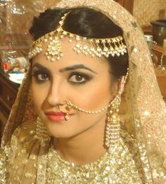 Ablaze by Simran Takkar Info & Review | Best Bridal Makeup in Thailand #maangtikka #bride #wedmegood