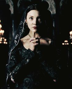 life asked death, why do people love me but hate you? death responded, because you are a beautiful lie and i am a painful truth. Anne Boleyn Tudors, Natalie Dormer Anne Boleyn, Henri Viii, The White Princess, White Queen, Los Tudor, The Tudors Tv Show, Sarah Bolger, The Other Boleyn Girl