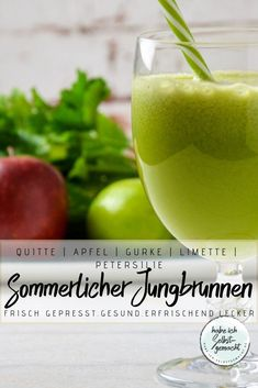 Recipe for a very tasty, healthy and refreshing juice made from freshly squeezed quince, apples, cucumber, limes and parsley. Low Carb Recipes, Healthy Recipes, Healthy Food, Good Food, Yummy Food, Nutribullet, Wellness Tips, International Recipes, Easy Peasy