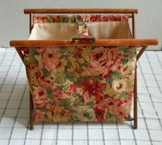 US $9.99 Used in Collectibles, Sewing (1930-Now), Baskets & Boxes