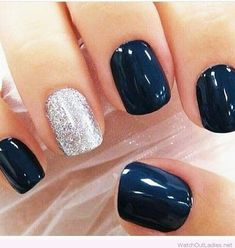 False nails have the advantage of offering a manicure worthy of the most advanced backstage and to hold longer than a simple nail polish. The problem is how to remove them without damaging your nails. Marriage is one of the… Continue Reading → Dallas Cowboys Nails, Cowboy Nails, Nail Art Vernis, Winter Wedding Nails, Gomme Laque, Navy Nails, Navy And Silver Nails, Black Silver, Silver Ring