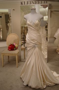 """Bridal Gowns: Pnina Tornai Mermaid Wedding Dress with Sweetheart Neckline and Dropped Waist Waistline--I""""d love this in a deep champange colour or crimson! Wedding Dress Sizes, Bridal Wedding Dresses, Dream Wedding Dresses, Gold Wedding, Pnina Tornai Dresses, Kleinfeld Dresses, Bridal Gown Styles, Vestidos Sexy, Mermaid Sweetheart"""