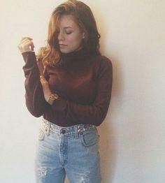 Lee vintage personalizzati, handmade, made in Italy. Modelli disponibili su www.gisarlifestyle.com, richieste a gisarlifestyle@gmail.com! Ci trovate anche su Depop come 'gisar' e Instagram come 'gisar_lifestyle'. Tutte le immagini che trovate non sono prese dal web ma esclusivamente nostre creazioni! [In foto: Erika Barbato e il suo blog www.erikabarbato.com] #gisar #gisarlifestyle #levis #lee #wrangler #vintage #jeans #ripped #boyfriend #baggy #over #highwaist #denim #shop #shopping…