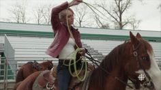 Episode The Big Red Wall - H 0293 - Heartland Screencaps Heartland Season 8, Heartland Cast, Amber Marshall, Canadian Actresses, Red Walls, Amy, Tv Shows, Horses, In This Moment