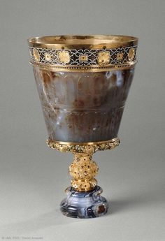 Byzantine sardonyx vase, 10th-11th century CE. Courtesy of the Louvre.