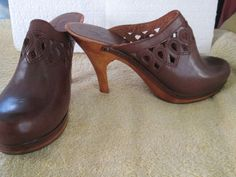 "Womens Genuine Leather Clogs Size 7 M Brown  4"" HIgh heel  Wood base shoes #ProMusico #Mules"