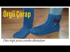 Easiest Slippers to Make – Crochet or Knit – Design Peak – Harika El işleri-Hobiler Gestrickte Booties, Knitted Booties, Knitted Slippers, Easy Knitting Patterns, Knitting Designs, Air Max 90, Moda Emo, Scarf Hat, Nike Air